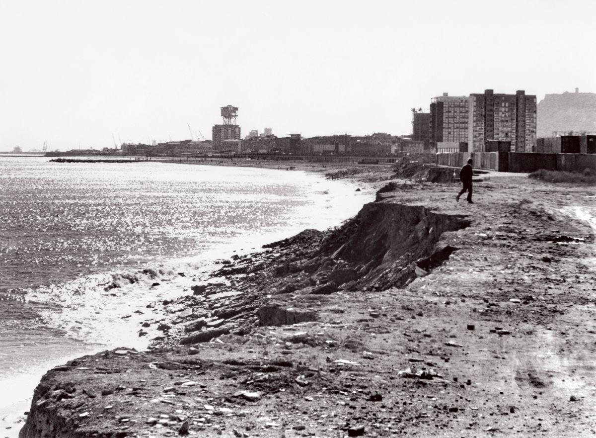 Donde ahora está el Port Olímpic, en febrero de 1986.