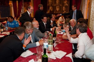 Una comida entre un grupo de empresarios mafiosos y los políticos que financiaban. Ahora están todos en la carcel.