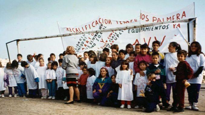 Protesta dels veïns del Besòs reclamant més equipaments. FOTO: Arxiu AV Besòs / Desdelamina.net