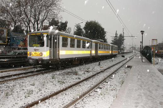 Nieve-trenCasilina-4-2-2011.jpg